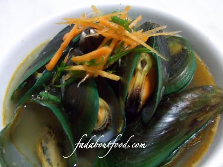 Green Mussels in Seafood Broth