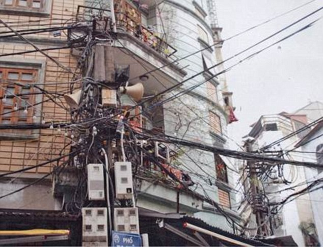 Third place was awarded to a street installation from Hanoi, Vietnam, with a collection of telecom, lighting and possibly mains cables – exact details being impossible to tell as all of the cables are a shade of black