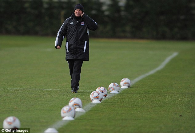 Pulis arranges a training drill at Stoke's training ground in 2012. Duberry described the sessions as regimented and boring, but admits it made the team play better on match days