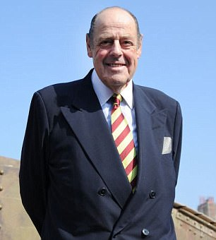 Sir Nicholas Soames said he was 'fond' of the former education secretary but warned she had badly mishandled the 'Trousergate' row.