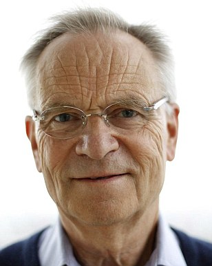 "British author Jeffrey Archer poses for a photograph in his flat in London May 5, 2011. At 71, bestselling British author Jeffrey Archer is tackling his biggest project to date -- a five-novel saga called ""The Clifton Chronicles"" that sweeps through the 20th century and into the 21st.  Photograph taken on May 5, 2011.     REUTERS/Suzanne Plunkett (BRITAIN - Tags: ENTERTAINMENT SOCIETY PROFILE)"