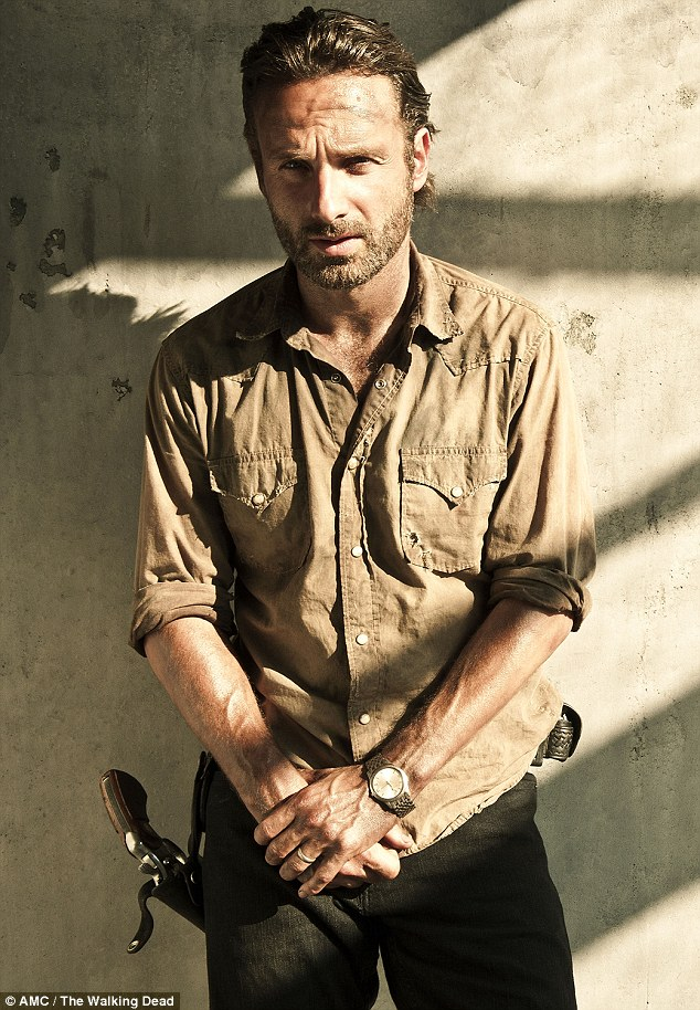 Now Lincoln is starring as sheriff's deputy Rick Grimes in the US show The Walking Dead