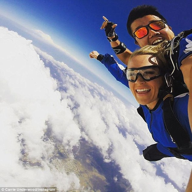Underwood over down under! Carrie Underwood shared stunning Instagram selfies of her skydive in Sydney on Sunday
