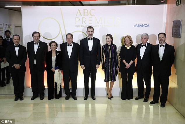 The awards ceremony was organised by ABC, the third largest paper in Spain, and bank Abanca. Pictured from left are Abanca's vicepresident Juan Carlos Escotet, photographer Juan Manuel Serrano, journalist Victoria Prego, journalist Francesc de Carreras, King Felipe VI, Queen Letizia, ABC Newspaper chief Catalina Luca de Tena, Vocento media gruop president Santiago Bergareche and ABC Newspaper editor in chief Bieito Rubido