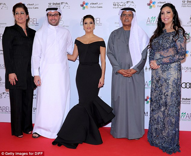 Eva Longoria was joined by DIFF Chairman Abdulhamid Juma (far right) and Maria Bravo, as well as two other guests