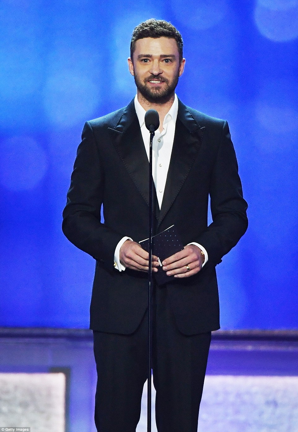 Dapper:The first presenter of the night was Justin Timberlake