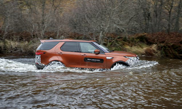 First off-road test drive of the new Land Rover Discovery