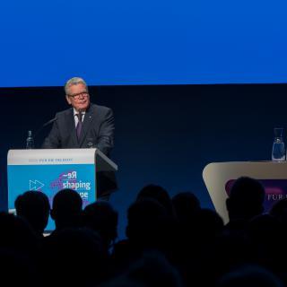 Bundespräsident Joachim Gauck eröffnete die Europäische Zukunftskonferenz im Berliner Kosmos.