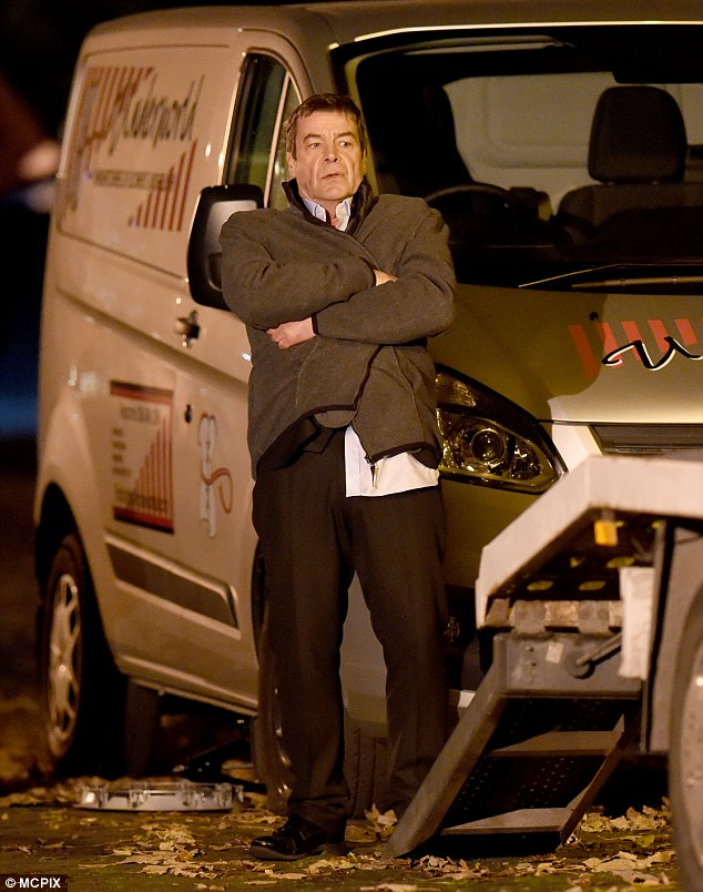 Oh dear!Elsewhere in the festive filming was Michelle's cousin-twice-removed, Johnny Connor, who runs into trouble on New Year's Eve before he is saved by resident mechanic Kevin Webster