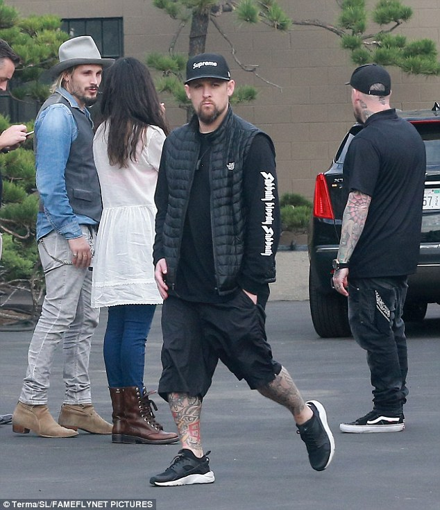 Break time: The Madden brothers took a break from touring to catch up with Saldana and Perego