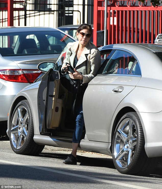 Casual: The star went make-up free as she arrived at the gym in her civvies before changing into a more sporting outfit