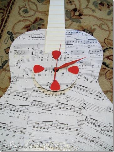 reupurposed guitar clock