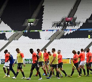 France players inspired by Usain Bolt and Mo Farah as they train in Olympic Stadium before
