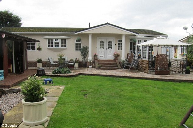 The three bedroom property inSandhurst in Berkshire has an asking price of£499,950