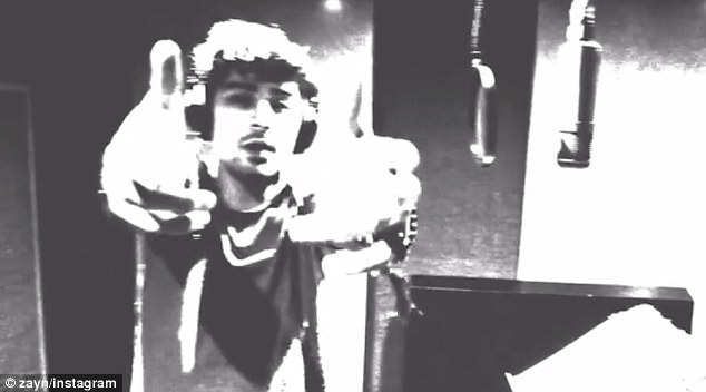 Surprise! Zayn Malik has delighted his dedicated army of fans by releasing an acoustic version of his hit track I Don't Wanna Live Forever