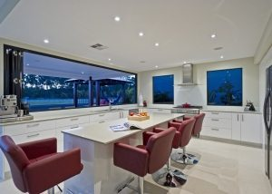 Coomera Waters Entertainer (2)