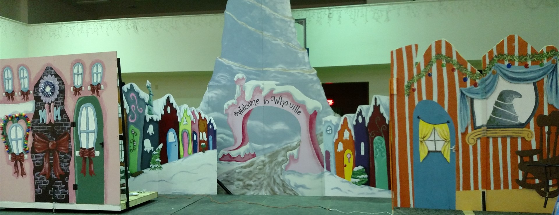 MCTG The Grinch Set Painted by MCHS Art Class