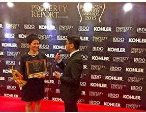 Sumber: Koleksi Pribadi, ketika menerima penghargaan dari Indonesia Property Award, September 2015