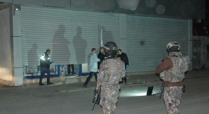 Adana'da bir markete EYP'li saldırı yapıldı