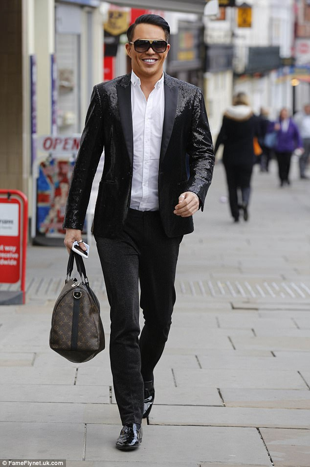 Main man: Bobby Cole Norris was seen arriving ahead of his quiz night