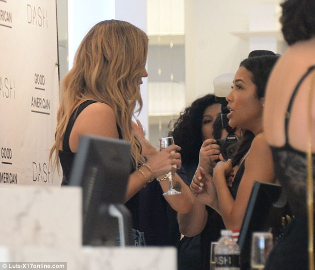 Let's chat: Khloe mingled about with guests