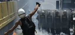 Health Minister Sacked, Military Officials Detained as Chaos Continues in Venezuela