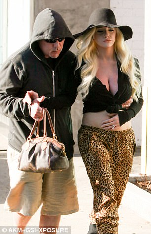 The blondehad a miscarriage last year and is currentl divorcing her husband Doug Hutchinson