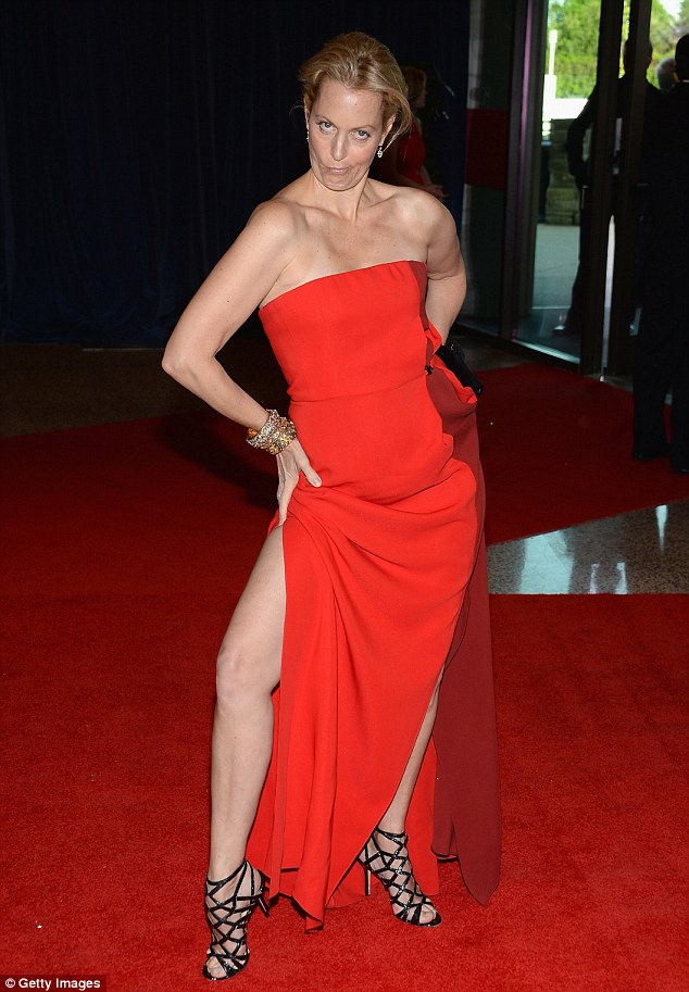 Show some leg: Comedian Ali Wentworth pulled a face as she bent her leg out
