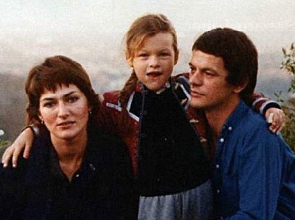 6 32 1 - Отечественная актриса вырастила звезду мирового экрана. Не узнаёте?