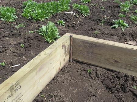 greenhouse1 - Как самостоятельно построить недорогую теплицу из пластиковых труб