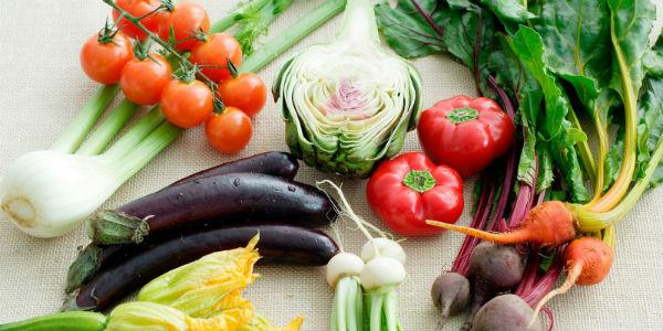 5508f2aa2acbe 1ghk vegetarian lessons rainbow produce s2 - Какие продукты просто необходимо заморозить на зиму!