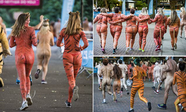 Hundreds bare all for London Zoo's annual naked run
