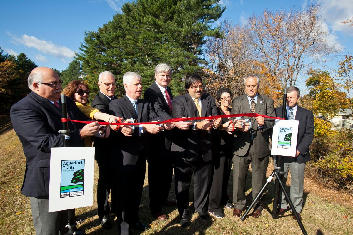 ribbon cutting at Weston Aqueduct trail opening
