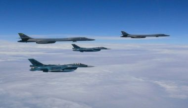 American Bombers, Stealth Fighters Conduct Flyover of Korean Peninsula