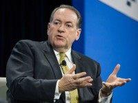 Huckabee to Alabama Voters: 'Mess Them Up' — Give Roy Moore a Chance to Be a 'Courageous Voice' in the Senate