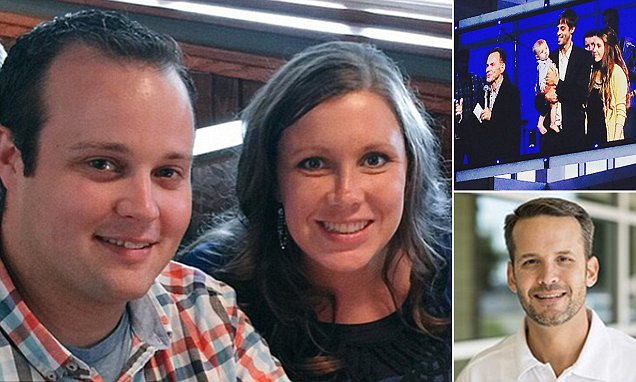 Duggars attend sermon where pastor delivers message on pornography