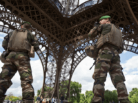 'Shouting Allah': Soldier Attacked by Knife-Wielding Assailant in Paris