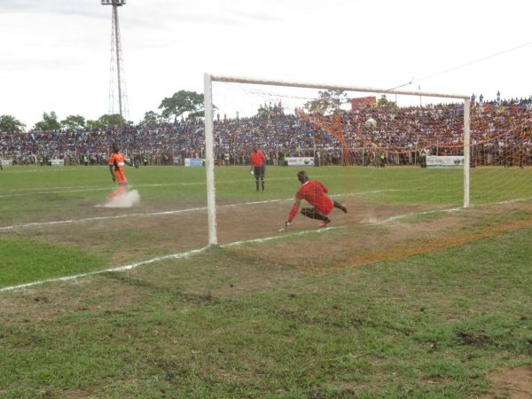 Nthala beaten by Amos Bello's classic penalty kick, Pic Alex Mwazalumo
