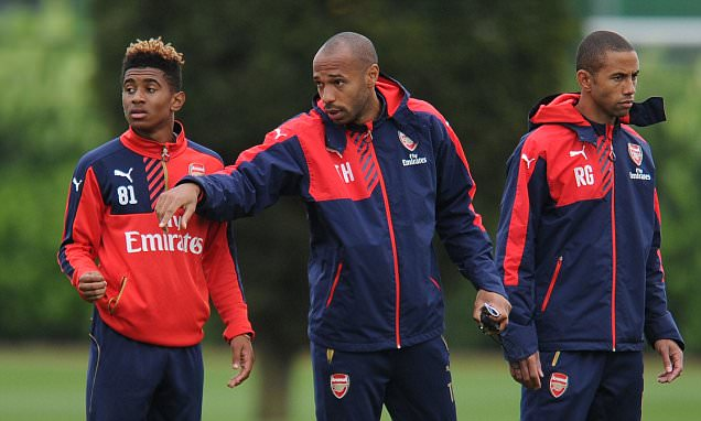 Thierry Henry takes Arsenal Under 19s training session ahead of UEFA Youth League clash