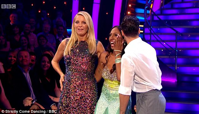 The bizarre moment stunned presenter Tess Daly who wanted the judge that the show was live as Alexandra and her professional dancing partner Gorka Marquez watched on