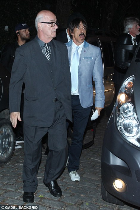 Big names in attendance at the event includedAnthony Kiedis who looked dapper in a blue jacket and tie