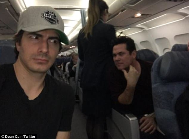 'So 2 Supermen got on a plane': Dean Cain and Brandon Routh sit across the aisle on flight