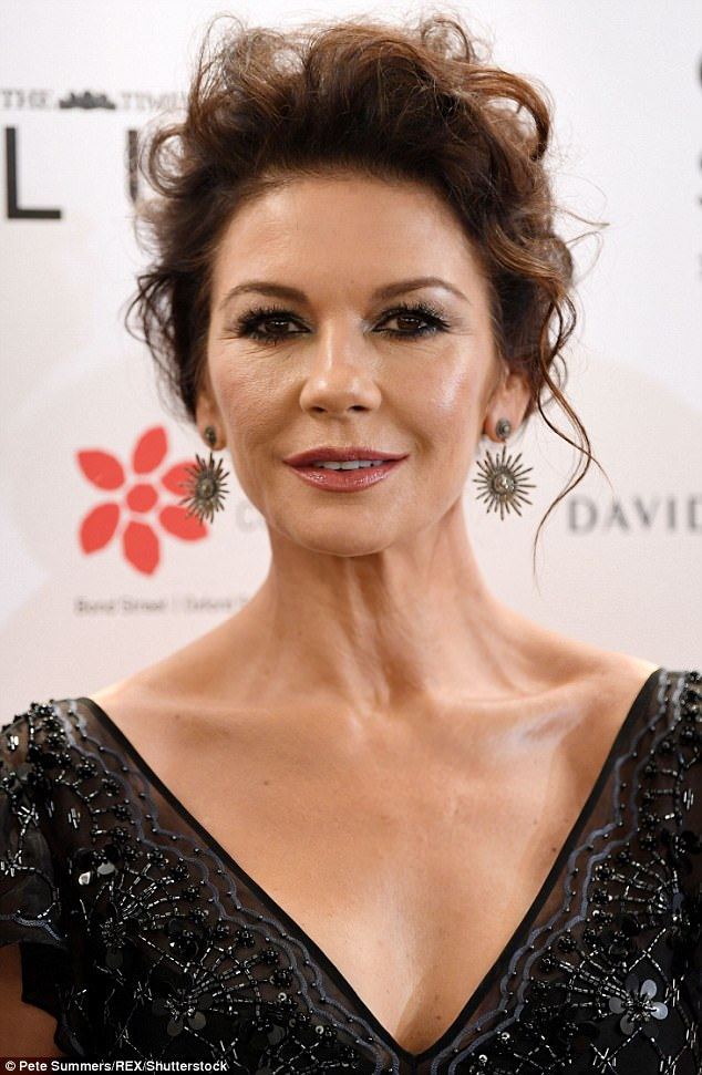 Flawless: The Oscar winning actress showed off her flawless beauty in the glamorous ensemble