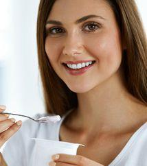 7 أمور تتغير في جسمك إذا تناولت كاسة زبادي يوميًا!