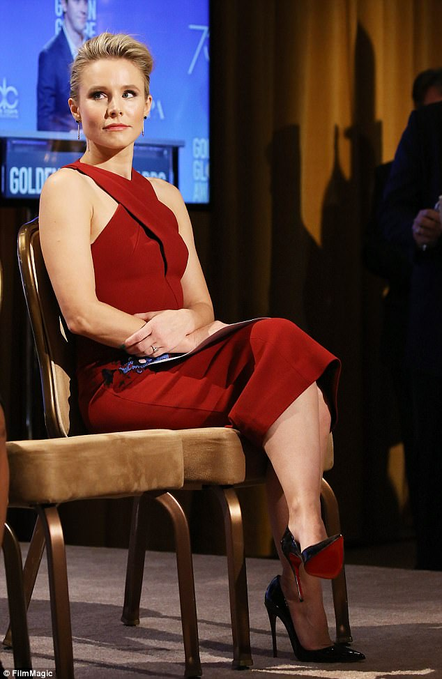 The details:The Frozen vet added black pointy pumps and, like Stone, wore large earrings