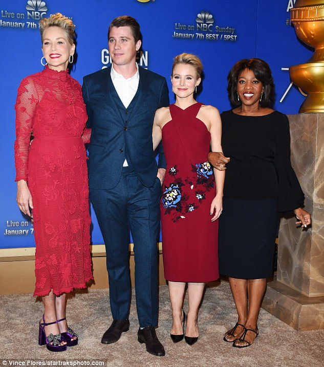 The four of them:Also with her were Kristen Bell, Garrett Hedlund and Alfre Woodard