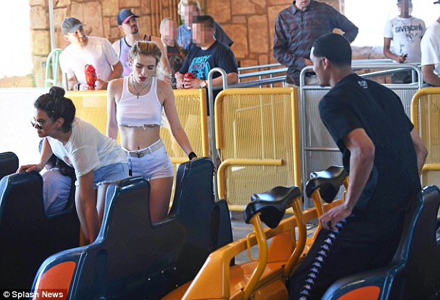 Here we go: Bella, Jordan and Kyra were spotted getting on a ride