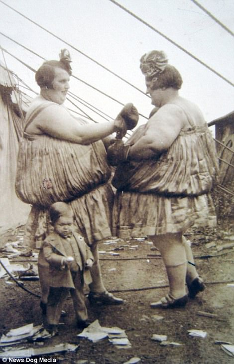 The Carlson sisters, known as the Wrestling Fat Girls, were heavyweight sisters who would put on a boxing match for paying customers
