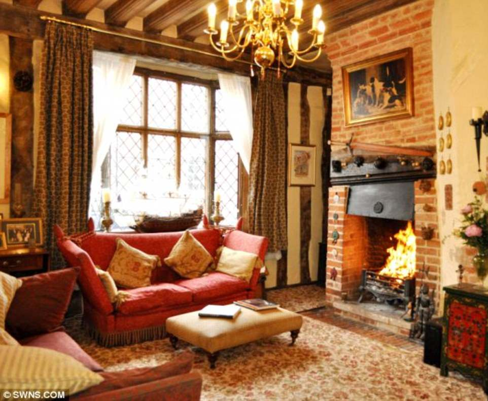 Guests who stay at the house can¿t resist watching clips of the famous Harry Potter movies to help make the magic feel more real