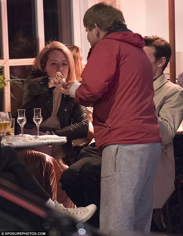 Kind: She also thanked another onlooker who sang her a song as they dined
